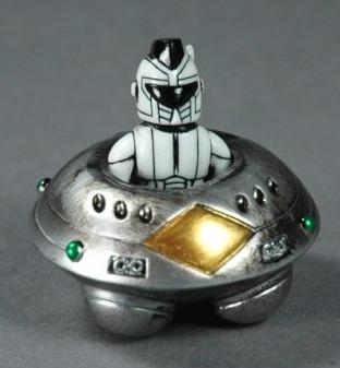 Mohawk_trooper__curving_saucer_set_green_lights-mori_katsura-mohawk_trooper-realxhead-trampt-200054m
