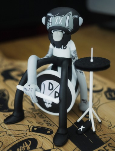 Beat_up_drummer-wetworks-kidrobot_mcbess_dunny-trampt-205488m