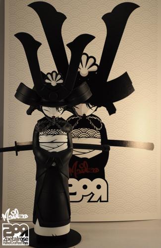 Maiko_midnight_assassin-2petalrose-maiko-2petalrose-trampt-206195m
