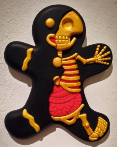 Fools_gold-the_real_firestarter_sarah_tan-dissected_gingerbread_man-trampt-208450m