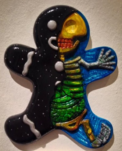 The_cradle_and_the_grave-zhou_jj-dissected_gingerbread_man-trampt-208451m
