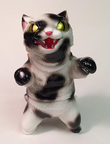 Kaiju_negora_-_cow-konatsu_koizumi-kaiju_negora-max_toy_company-trampt-211126m