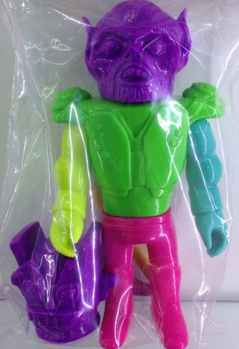 Bronco_willis_-_mixed_parts-gargamel_kiyoka_ikeda_le_merde-bronco_willis-misty_fog_toys-trampt-211857m
