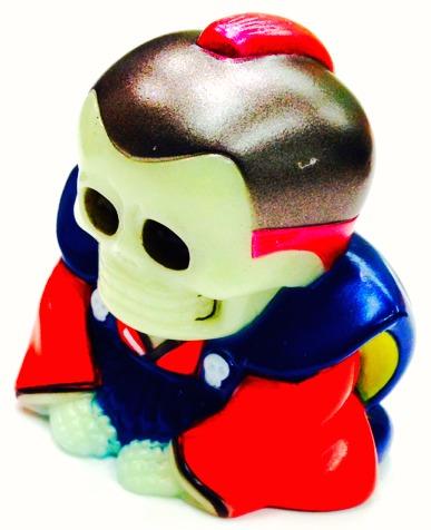 Honesuke_-_gid_red_topknot_--mori_katsura_skulltoys-honesuke-realxhead-trampt-211896m