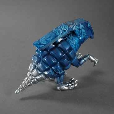 Blue_floral_dinogrenade-okokume_laura_mas-dinogrenade-trampt-214190m