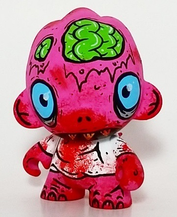 Untitled-the_other_guy-munny-trampt-222654m