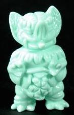 Minty_green_gacha_mini_mockbat-paul_kaiju-gacha_mini-self-produced-trampt-223410m