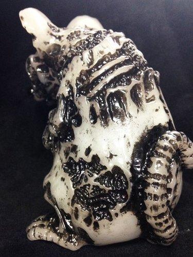 Zombie_doburat_-_milkyblack_rub-kagemaru_designs_kagemaru_undead_fantasy_toys_undead_toys-doburat-un-trampt-223890m
