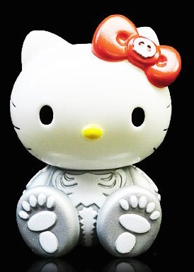 Evil_new_year_2012_hello_kitty_x_balzac_-_silver-balzac_sanrio_secret_base-hello_kitty_x_balzac-secr-trampt-223905m