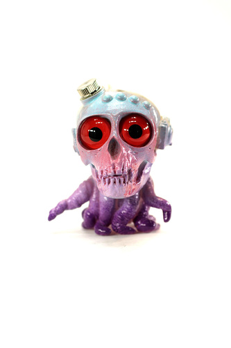 Red-eye_mauve_skulloctopus_from_outer_space-plaseebo_bob_conge_chaingun-skulloctopus-trampt-229534m