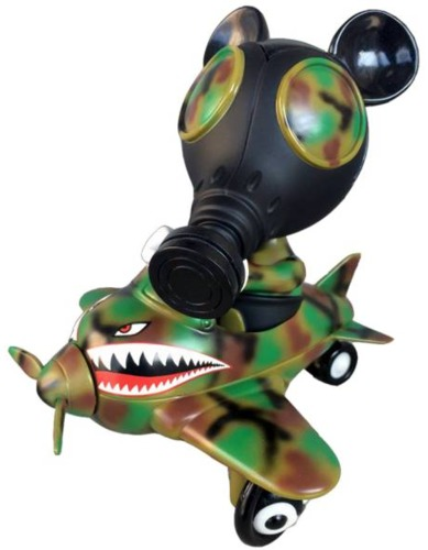 Mousemask_murpy_in_airplane_-_camo_edition-ron_english-mousemask_murphy_in_airplane-blackbook_toy-trampt-229859m