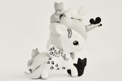 Tokidoki_unicorno_art_toy_-_kittens-mijbil_creatures_mijbil_teko_silvia_minucelli-unicorno-trampt-230001m