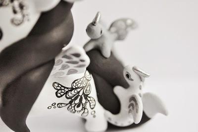Tokidoki_unicorno_art_toy_-_dragons-mijbil_creatures_mijbil_teko_silvia_minucelli-unicorno-trampt-230007m
