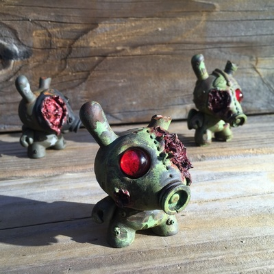 Gasmask_zombie_dunnys_part_2-drilone-dunny-trampt-231875m