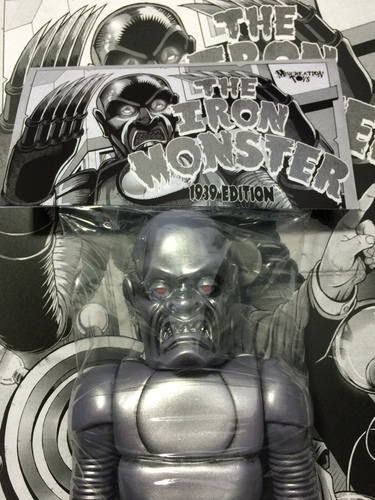 The_iron_monster_-_1939_edition-miscreation_toys_jeremi_rimel-iron_monster-miscreation_toys-trampt-232190m