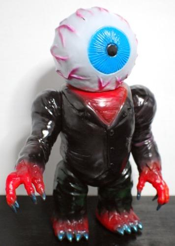 Eyeballman_one-off-skull_head_butt-eyeball_man-trampt-232373m