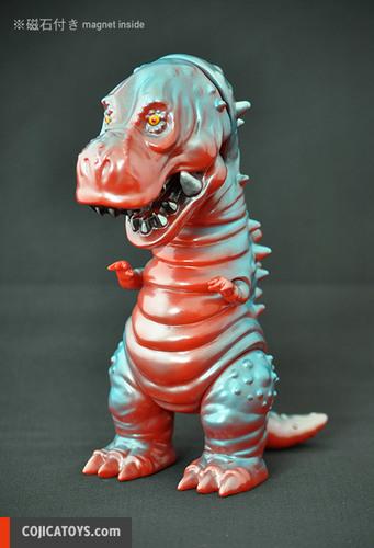 Tyranbo_red-blue-hiramoto_kaiju-tyranbo-cojica_toys-trampt-232508m