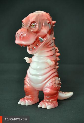 Tyranbo_milky-red-hiramoto_kaiju-tyranbo-cojica_toys-trampt-232510m