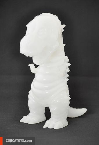 Tyranbo_milky-unpainted-hiramoto_kaiju-tyranbo-cojica_toys-trampt-232512m