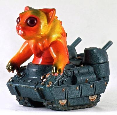 Nyagira_tanks-plaseebo_bob_conge-kaiju_tank-trampt-233335m
