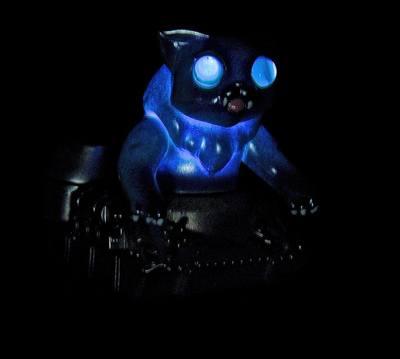 Nyagira_tank_-_blue-plaseebo_bob_conge-kaiju_tank-trampt-233339m