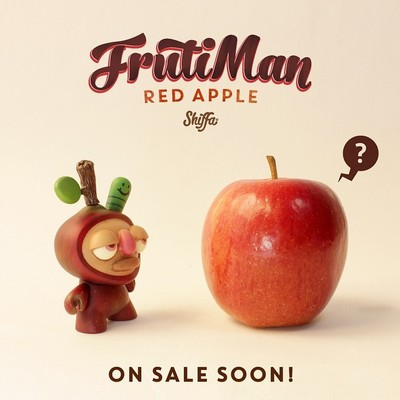 Frutiman_-_red_apple_without_tree_diorama-shiffa-dunny-trampt-233774m
