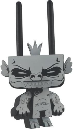Sylvan_-_king_of_mischief-jon-paul_kaiser_gary_ham-sylvan-pobber_toys-trampt-234353m