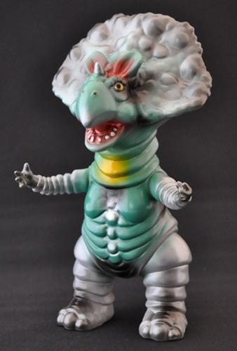 Monoclon_gray__green_--hiramoto_kaiju-monoclon-cojica_toys-trampt-238799m