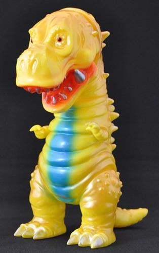 Tyranbo_gold__yellow-hiramoto_kaiju-tyranbo-cojica_toys-trampt-238803m
