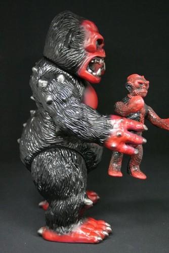 King_gorilla_beast_black-yasuaki_hirota-king_gorrilla-ju-hirota_saigansho-trampt-239243m