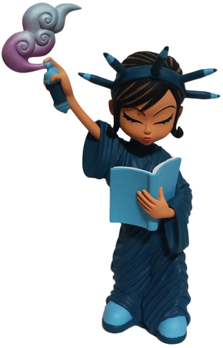 Little_liberty_-_blue-erick_scarecrow-liberty-esc-toy-trampt-239796m