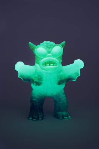 Infected_mini_greasebat_green_glowblueyellow-scott_wilkowski-greasebat-trampt-240098m