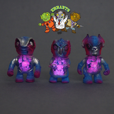 Errants_-_pink_with_guts-uh-oh_toys-errants-uh-oh_toys-trampt-241871m