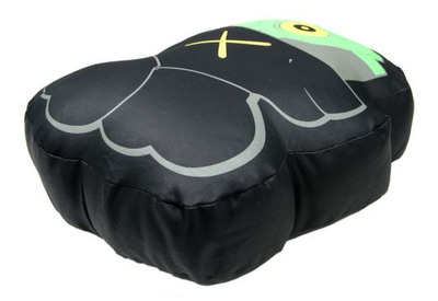 Kaws_black_dissected_companion_pillow-kaws-companion-original_fake-trampt-242439m