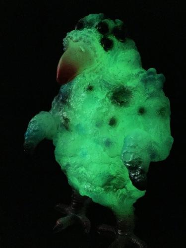 Kaiju_avilar_glow_in_the_dark-gorgoloid_barry_allen-avilar-gorgoloid-trampt-252346m
