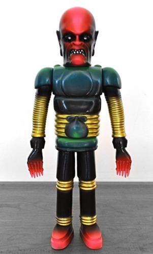Iron_monster_-_vintage_robo-miscreation_toys_jeremi_rimel_skinner-iron_monster-miscreation_toys-trampt-252350m