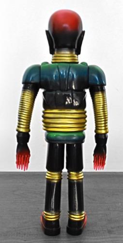 Iron_monster_-_vintage_robo-miscreation_toys_jeremi_rimel_skinner-iron_monster-miscreation_toys-trampt-252353m