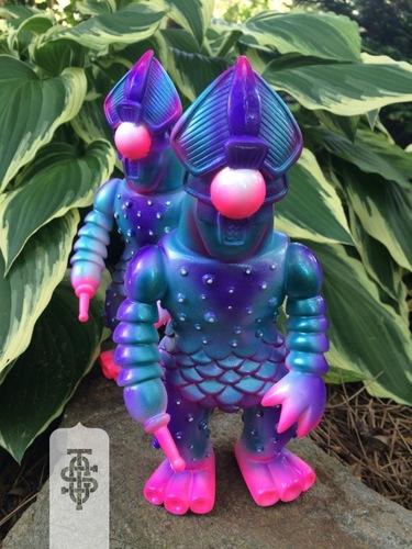 Semi_korosiya_hiatus_teal__purple-adam_saul_chauskoskis-semi_korosiya-cop_a_squat_toys-trampt-256314m