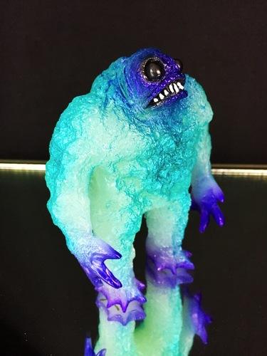 Glow_in_the_dark_kaiju_rhaal_purpleface-gorgoloid_barry_allen-rhaal-trampt-256717m