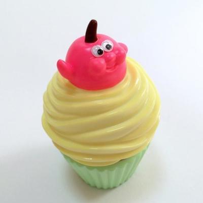 Hello_cherry__cup_cake_yellow_cream_x_green_cup-aya_takeuchi-cherry_cupcake-refreshment-trampt-258332m