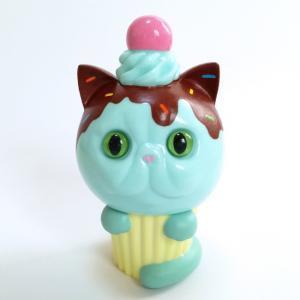 Exotic_short_hair_cupcake_hand-painted_chocolate_spray__brown-aya_takeuchi-cupcake_cat-refreshment-trampt-258361m