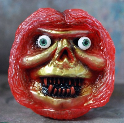 One-off_crazy_eyes_hagball-rampage_toys_jon_malmstedt-hag_ball-rampage_toys-trampt-260494m