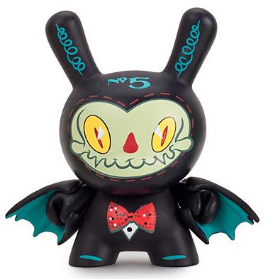 5_-_mr_gloom-brandt_peters-dunny-kidrobot-trampt-260538m