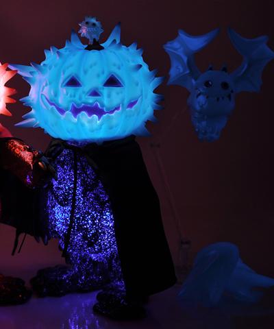 Halloween_inc_2015__ghost_bat_magister_blue_phosphorescent_bat_liquid_set-instinctoy_hiroto_ohkubo-i-trampt-261626m