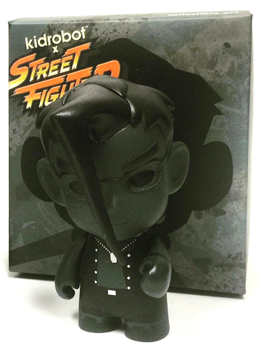 Charlie_-_sdcc_black-capcom-street_fighter-kidrobot-trampt-261661m