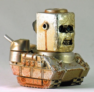 Robot_tank-plaseebo_bob_conge-kaiju_tank-trampt-262798m