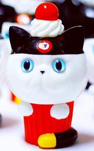Exotic_short_hair_cup_cake_ear_hat_dcon__2015_exclusive_-aya_takeuchi-cupcake_cat-refreshment-trampt-264358m