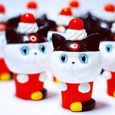 Exotic_short_hair_cup_cake_ear_hat_dcon__2015_exclusive_-aya_takeuchi-cupcake_cat-refreshment-trampt-264359m