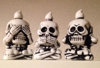 Skeleton_company___it_hears_and_cooks_white_molding-mori_katsura_skulltoys-sankottsu-realxhead-trampt-265242m