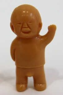 Mini_satoshi-kun_-_unpainted_brown-yukinori_dehara-satoshi-kun-yukinori_dehara-trampt-266101m